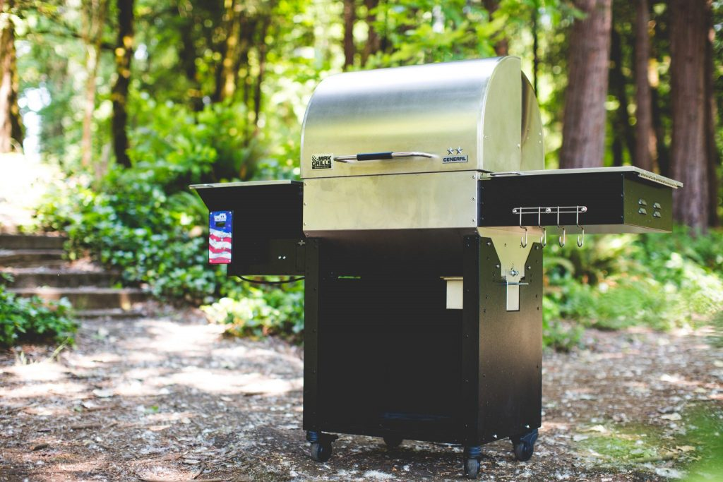 This is the Two-Star General Grill brought to you by Mak Grills.